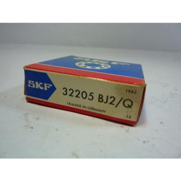 SKF 32205-BJ2/Q Tapered Roller Bearing ! NEW !