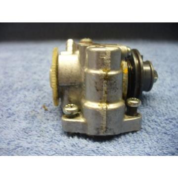yamaha  lt2 100    1972   oil injector pump   #3217