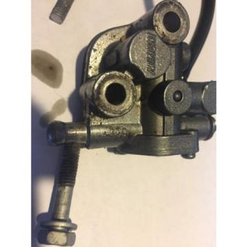 Yamaha 62T 701 Oil Pump Injector Wave Raider Venture XL700 with bolts and lines