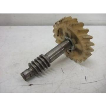 YAMAHA OIL INJECTOR DRIVE GEAR & SHAFT AT1 CT1 DT1 HT1 100 125 175 250 MX 125 RD