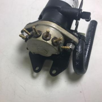 EVINRUDE FICHT OIL INJECTOR & MANIFOLD ASSY #5000527