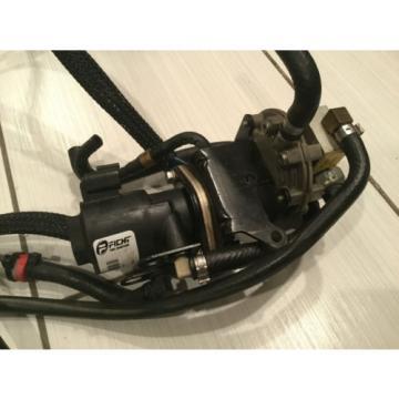 2000 EVINRUDE 150HP OIL LIFT PUMP 5001202 OIL INJECTOR & MANIFOLD 5000880