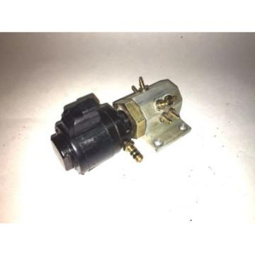 OIL INJECTOR AND MANIFOLD  #0439726 JOHNSON EVINRUDE 150 175 HP 1997/1998 FICHT