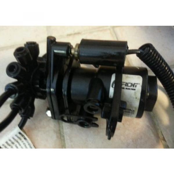 oil lift pump oil injector bracket evinrude 00, 200hp #2 image