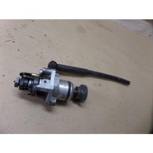 1997 YAMAHA PW80 OIL INJECTOR INJECTION PUMP AND GEAR ASSY OEM #1 image